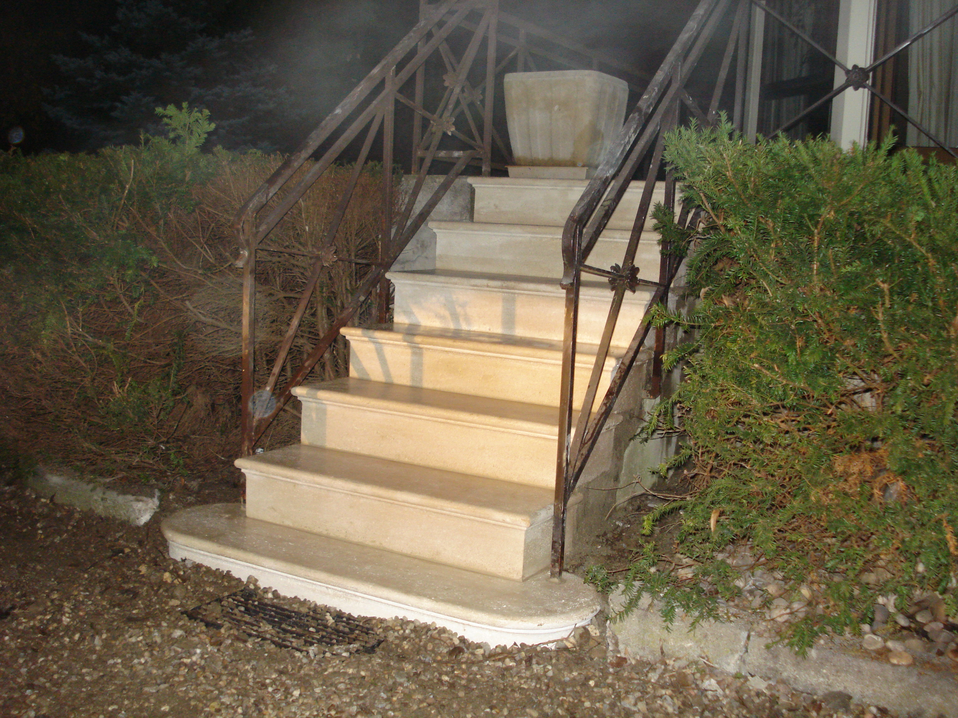 escalier-extérieure-placage-pierre-marbre
