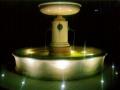 fontaine-pierre-publique-lumière-