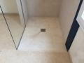 macaire-douche italienne-pierre naturelle-pierre claire-granit noir-granit-pierre blanche-facile entretien-4