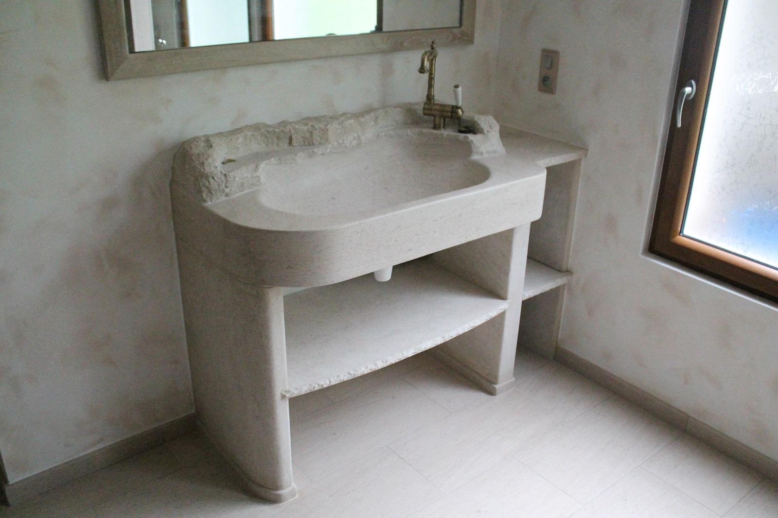 vasque-evier-salle-de-bain-taille-pierre-naturelle-calcaire-marbre-pieds-tablette-sur-mesure